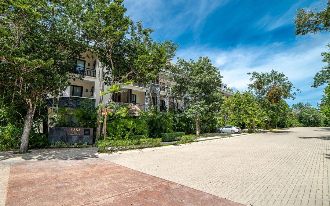 Lote residencial rodeado de áreas verdes en el centro de Aldea Zamá